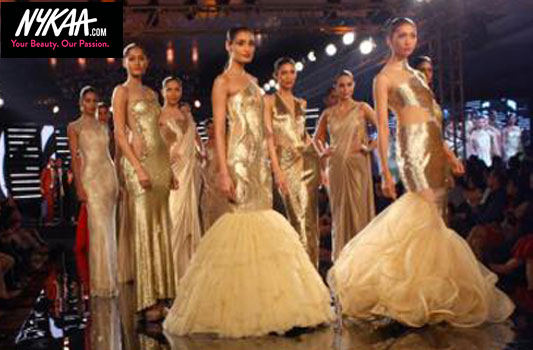 Arrive in style at the Blenders Pride Fashion Tour| 1