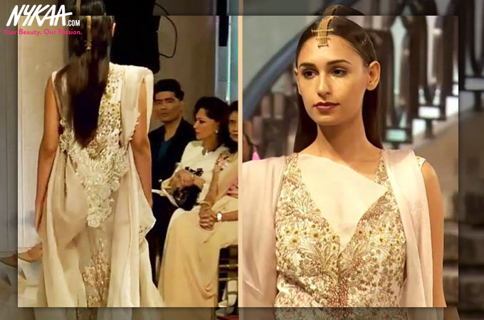 Kareena Kapoor bedazzles at the LFW grand finale| 10