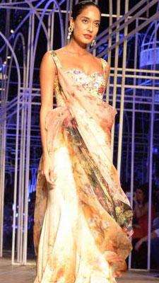 Bridal finery, Bollywood style| 11
