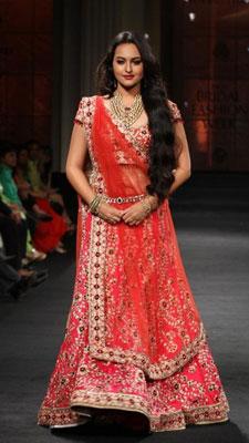Bridal finery, Bollywood style| 13