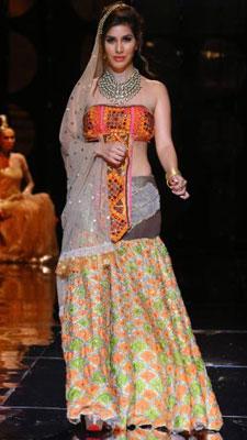Bridal finery, Bollywood style| 12