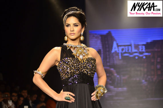 Razzle dazzle jewelry reigned at IIJW '14| 12