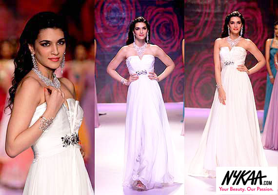 Razzle dazzle jewelry reigned at IIJW '14| 5