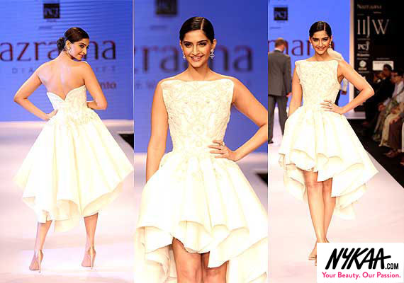 Razzle dazzle jewelry reigned at IIJW '14| 1