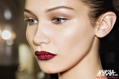 Dazzle with our DIY Glitter Lip Guide