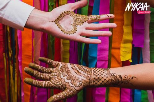 5 Most Beautiful Mehendi Designs For The BFF Of The Bride