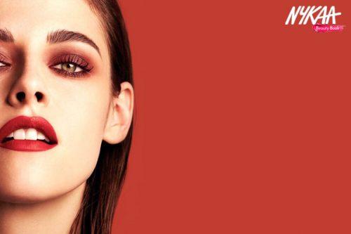 Bronze Eye Meets Cherry Lips: Runway's Show Stealer