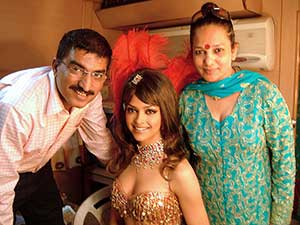 Picture perfect with Bharat and Dorris| 1