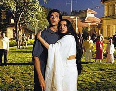 11 On-Screen Bollywood Mom and Son Duos We Heart!| 10