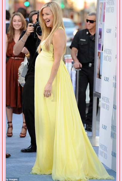 12 applause worthy red carpet baby bump moments - 7