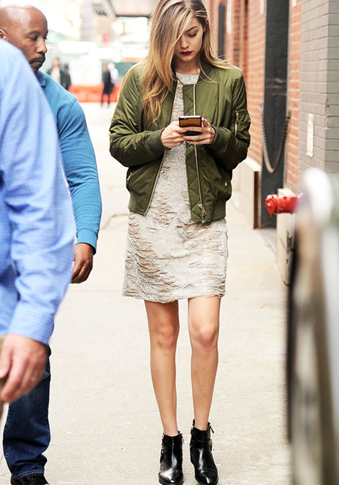 Celeb inspired ways to flaunt OFF-DUTY fashion!| 7