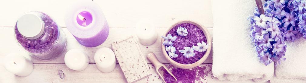 Bath Salt Uses & Benefits - Learn How to Use Bath Salts | Nykaa's Beauty Book 1