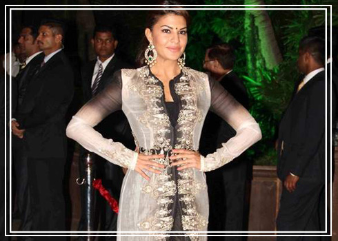 Jacqueline Fs Standout Looks Decoded - 5