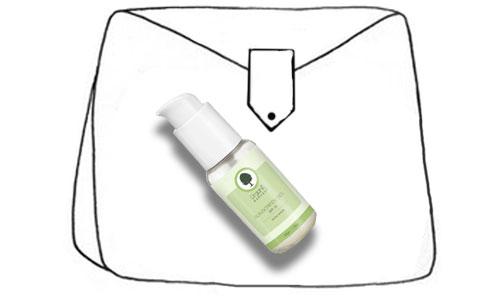 What's in your vanity bag, Elton?| 2