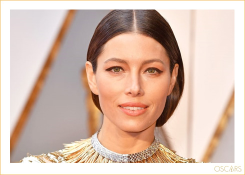 6 Stunning, Traffic-Stopping Beauty Looks From The Oscars, '17!  3