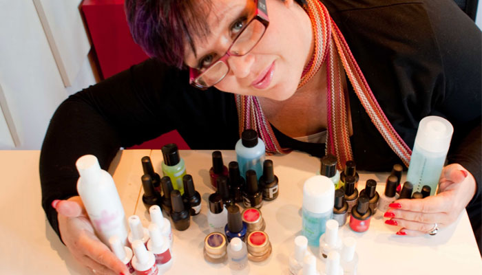 Magic manicures with Orly's Ambassador Sam Biddle| 1