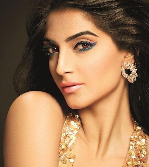 Sonam Inspired Bold Eyeliner Looks - 4