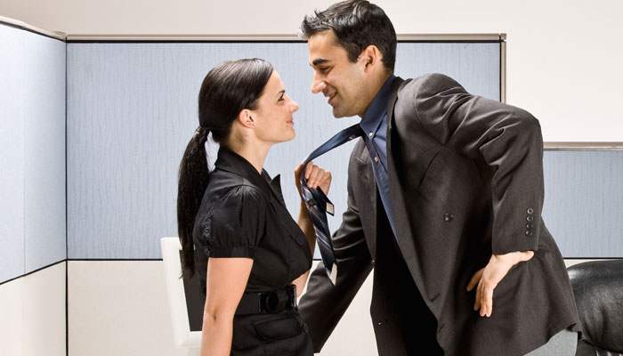 How To Handle An Office Romance-Do's & Don'ts In Office Affairs| Nykaa's Beauty Book 1