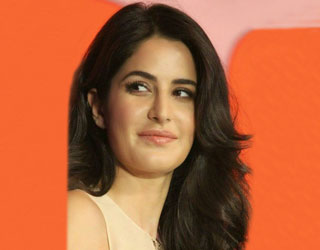Which Bollywood Celebrity Do You Look Like & Bollywood Beauty Tips| Nykaa's Beauty Book 2