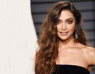 Which Bollywood Celebrity Do You Look Like & Bollywood Beauty Tips| Nykaa's Beauty Book 3