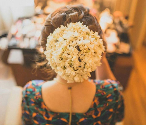 Thirty Floral Bridal Buns Were Swooning Over - 3