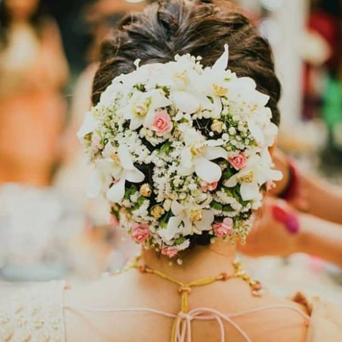 Thirty Floral Bridal Buns Were Swooning Over - 4