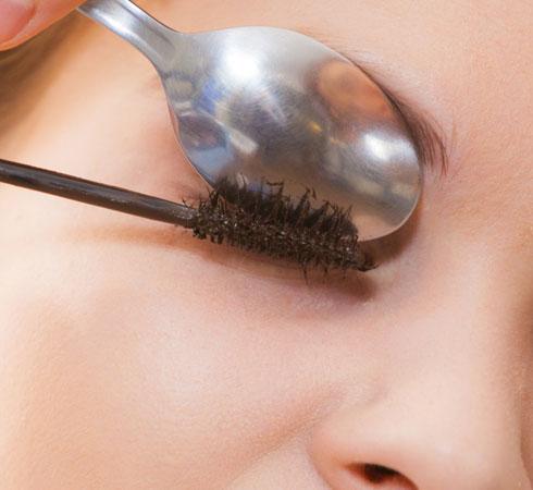 Ten Clever Makeup Hacks For Beginners - 6