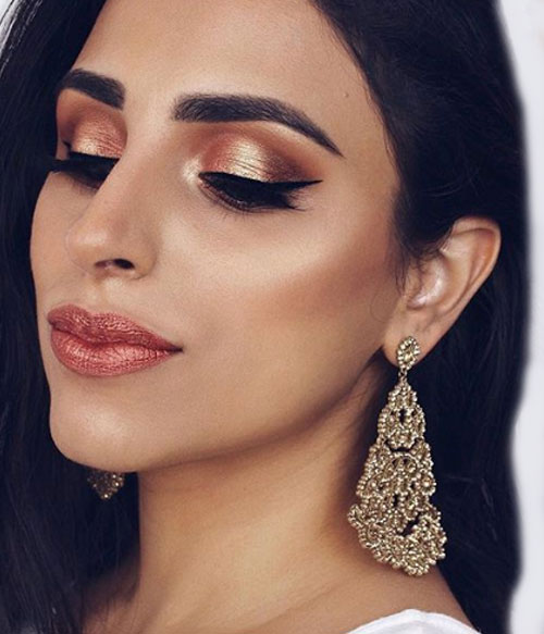 Coral Inspired Makeup To Try This Season - 5