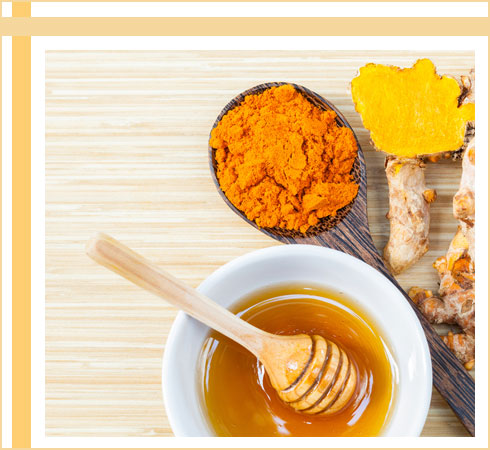 acne remedies- honey and turmeric