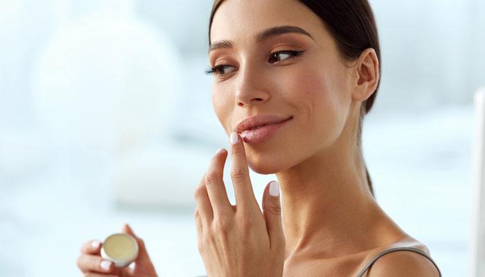 Best Lip Masks & Lips Scrubs For Dark and Dry Lips