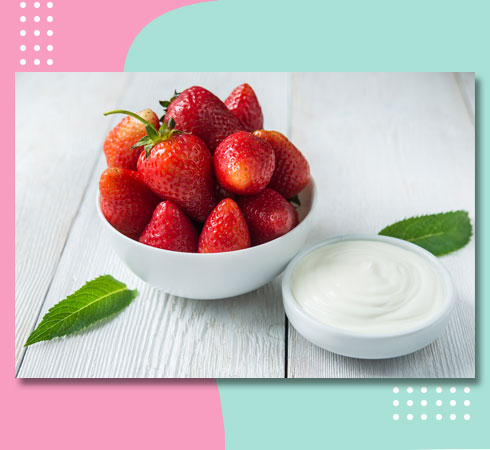 natural moisturizers for oily skin – strawberries