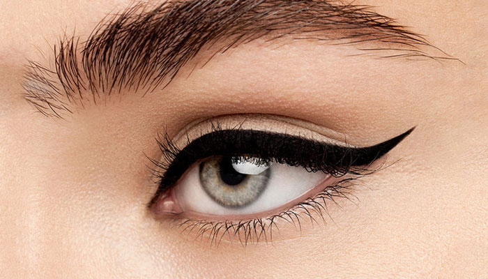 learn perfect wing eyeliner beauty skill