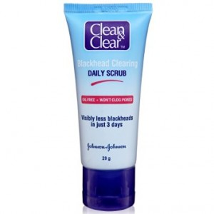 Buy Clean & Clear Blackhead Clearing Daily Scrub - Nykaa