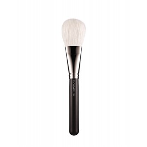 Buy M.A.C Large Flat Powder Brush - 135 - Nykaa