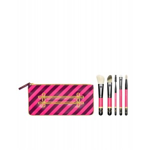 Buy M.A.C Nutcracker Sweet Contour Brush Kit - Nykaa