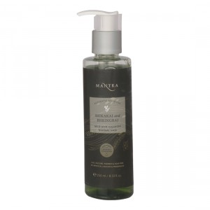 Buy Mantra Shikakai And Bhringraj Mild Hair Cleanser For Normal Hair  - Nykaa