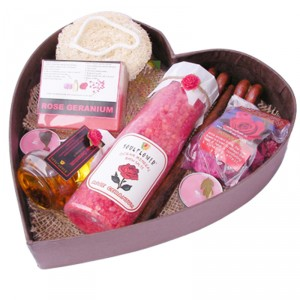Buy Soulflower Romance Heart Bathset - Nykaa