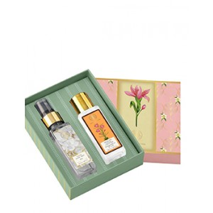 Buy Forest Essentials Clean & Fresh Gift Box - Nykaa