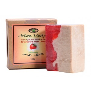 Buy Aloe Veda  Luxury Butter Bathing Bar - Strawberry & Fresh Cream - Nykaa