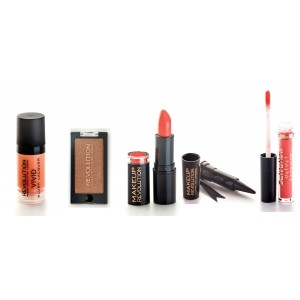Buy Makeup Revolution Peachy Kit - Nykaa