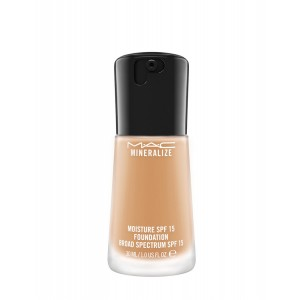 Buy M.A.C Mineralize Moisture SPF 15 Foundation - Nykaa