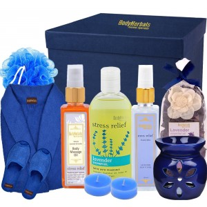 Buy BodyHerbals De - Stress Lavender Bathing Spa Hamper - Nykaa