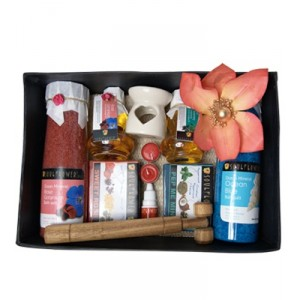 Buy Soulflower Festive His And Her Wedding Hamper Set - Nykaa