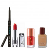 Lakme Daily Essential Red Kit