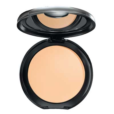 Lakme Absolute Creme Compact  available at Nykaa for Rs.574