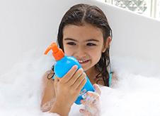 WOW Skin Science Kids Orange 3 in 1 Tip to Toe Wash - Shampoo + Conditioner + Bodywash step1
