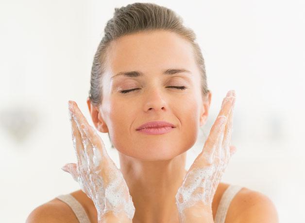 WOW Skin Science Apple Cider Vinegar Foaming Face Wash step2