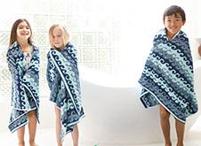 WOW Skin Science Kids Peach 3 in 1 Tip to Toe Wash - Shampoo + Conditioner + Bodywash step3
